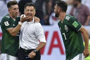 Mexico Football Coach Juan Carlos Osorio wears G-Shock Mudmaster in World Cup 2018