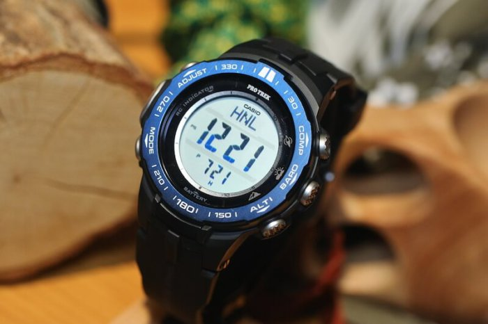 Pro Trek PRW-3100YB-1JF with blue IP bezel