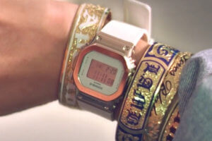 "Gwen Stefani wears G-Shock watch in ""Slow Clap"" music video"