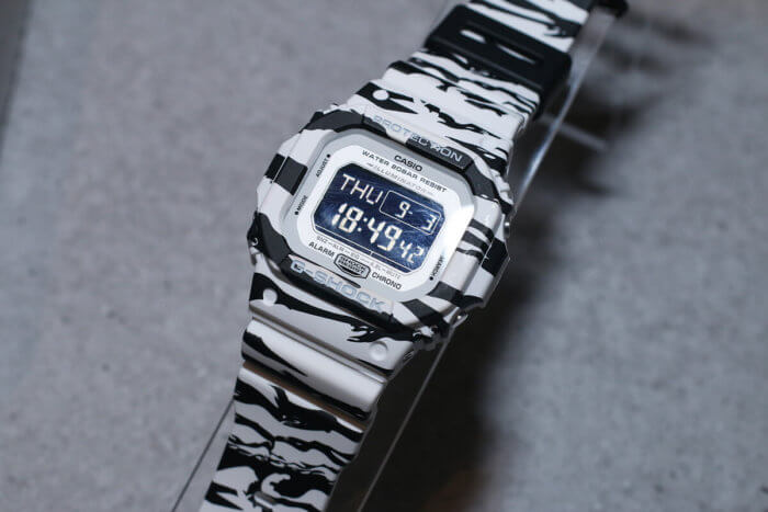 G-Shock DW-D5600BW-7JF White and Black Series